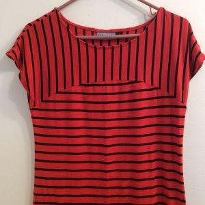 Cynthia Rowley Tee Top. Stretch. Cap sleeves. Red